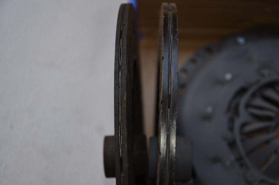 Здесь видно, что толщина старого диска не очень отличается от толщины нового.