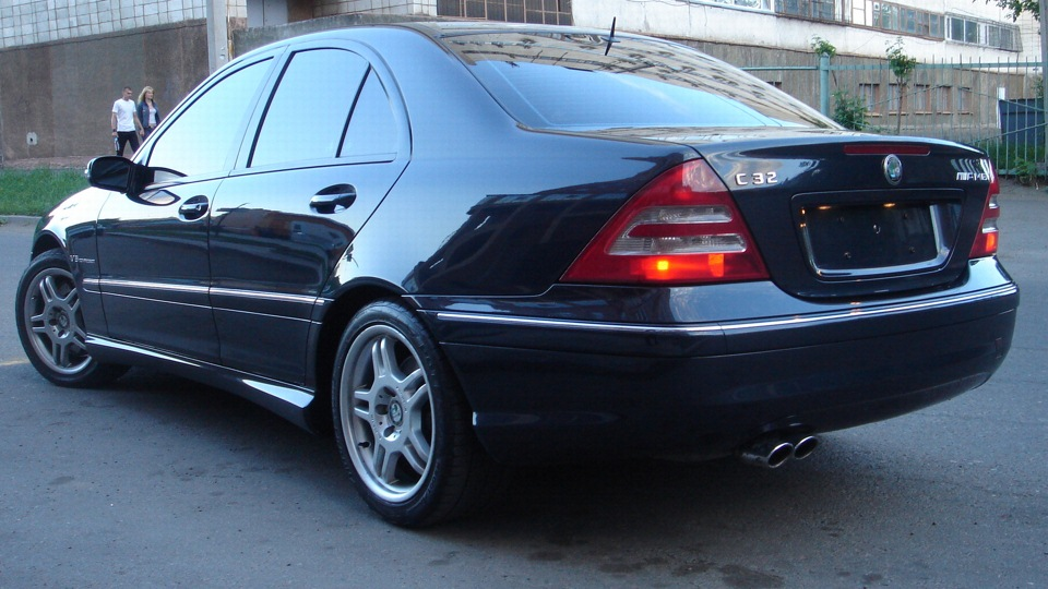Mercedes benz c 32 amg v6 kompressor drive2 for Mercedes benz v6