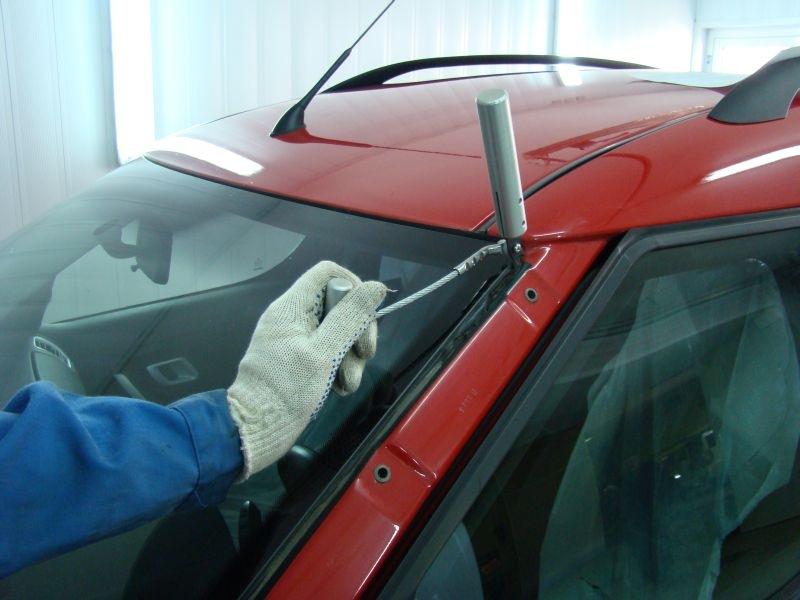 Как вклеить стекло автомобиля