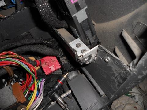Подключил омыватель фар через кнопку ESP.
