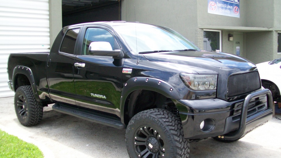 <strong>Toyota Tundra</strong> �������