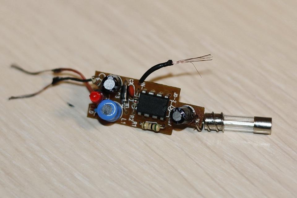 Зарядка телефона от автомобильного прикуривателя