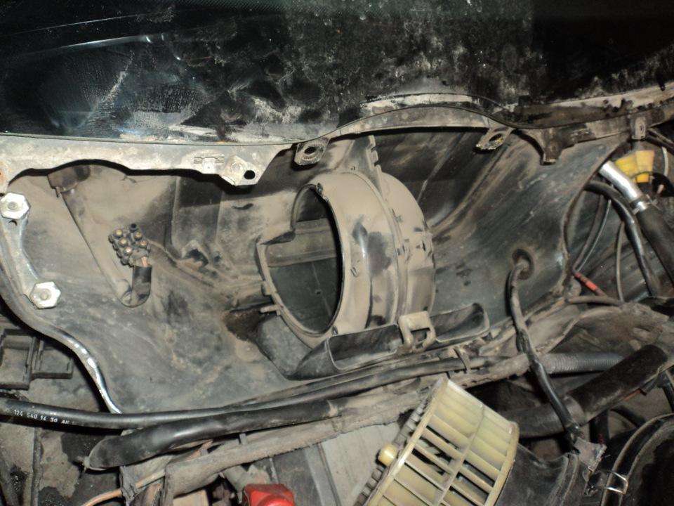 моторчик на печку мерседес 124