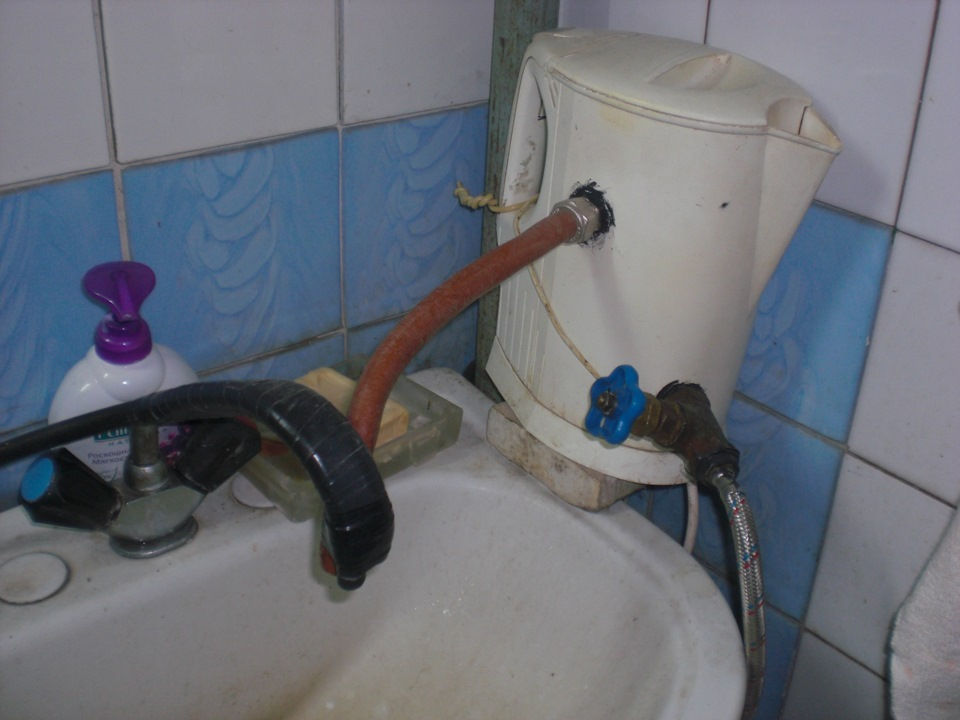 Как сделать горячую воду в ванной