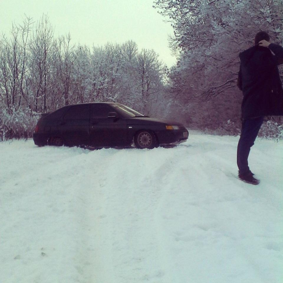 мужики на машине зима фото