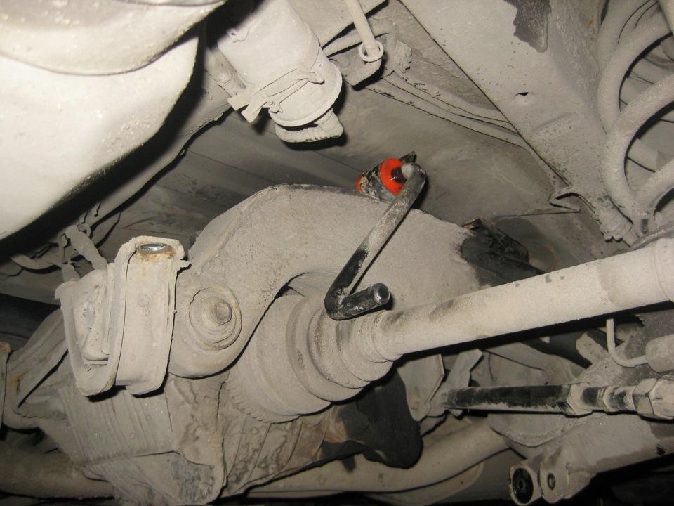замена втулок заднего стабилизатора опель омега