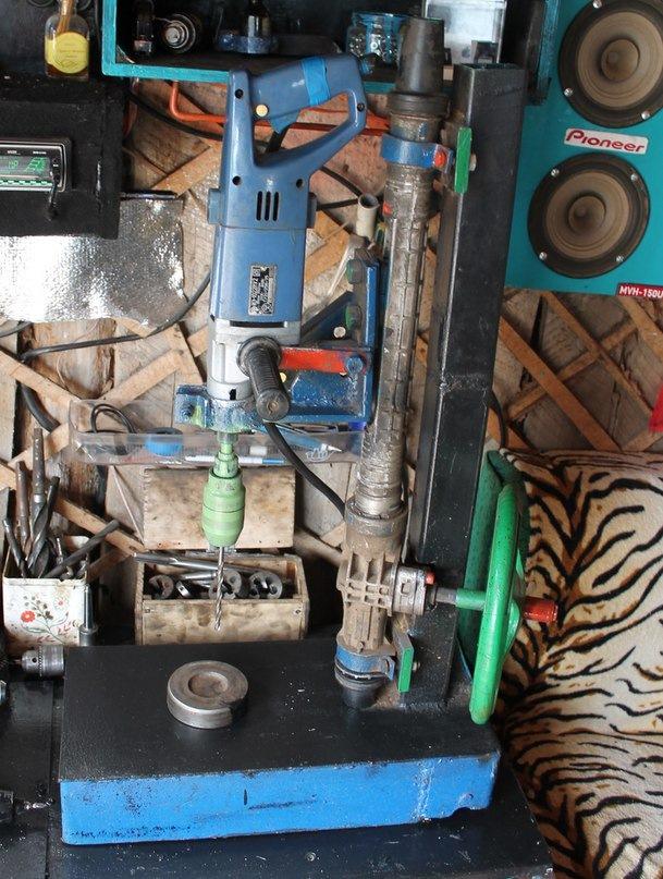 Сверлильный станок из рулевой рейки своими руками видео
