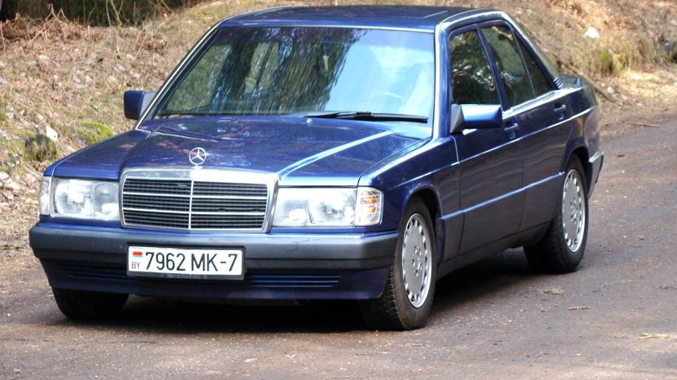 Mercedes benz 190 w201 azzurro baby benz drive2 for Baby mercedes benz