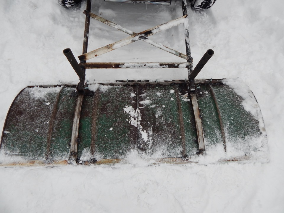Самодельный снегоуборочный снегоход в картинках