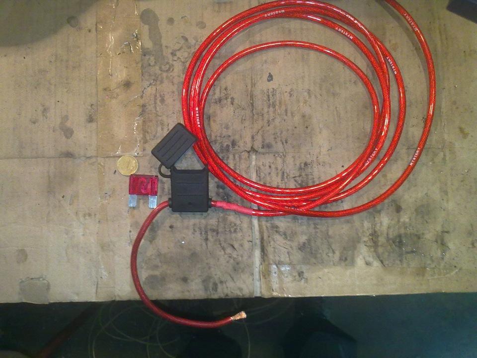 Коричневый - масса.  Подключил к одной из шпилек крепления ЭУРа.  8-ми контактная колодка: Оранжевый - зажигание.