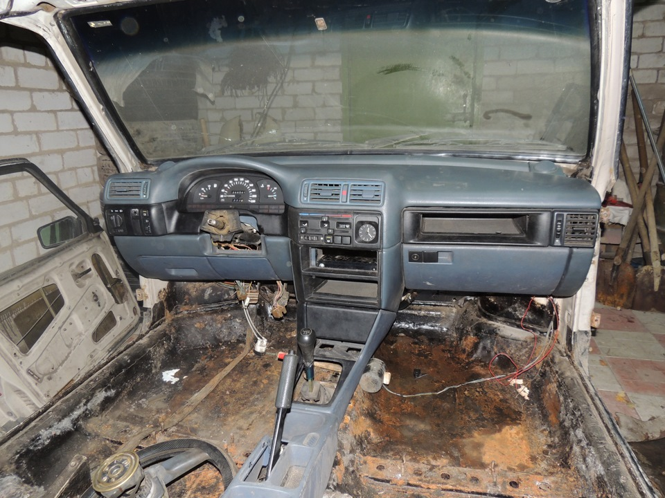 Панель от Opel Vectra A в ВАЗе 2109.