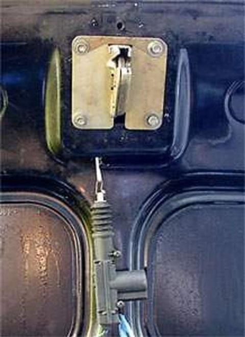 Как сделать двери на газ 24