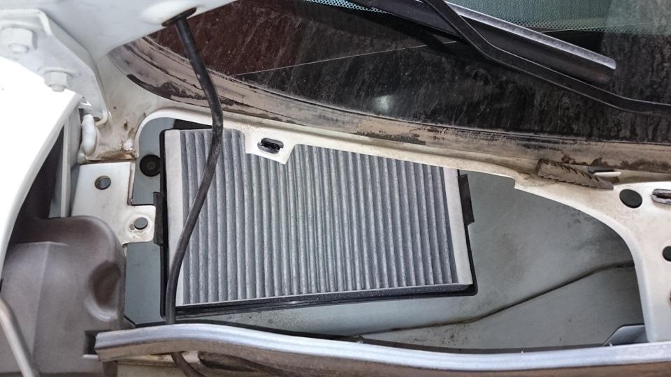 Как клеят стекла на авто