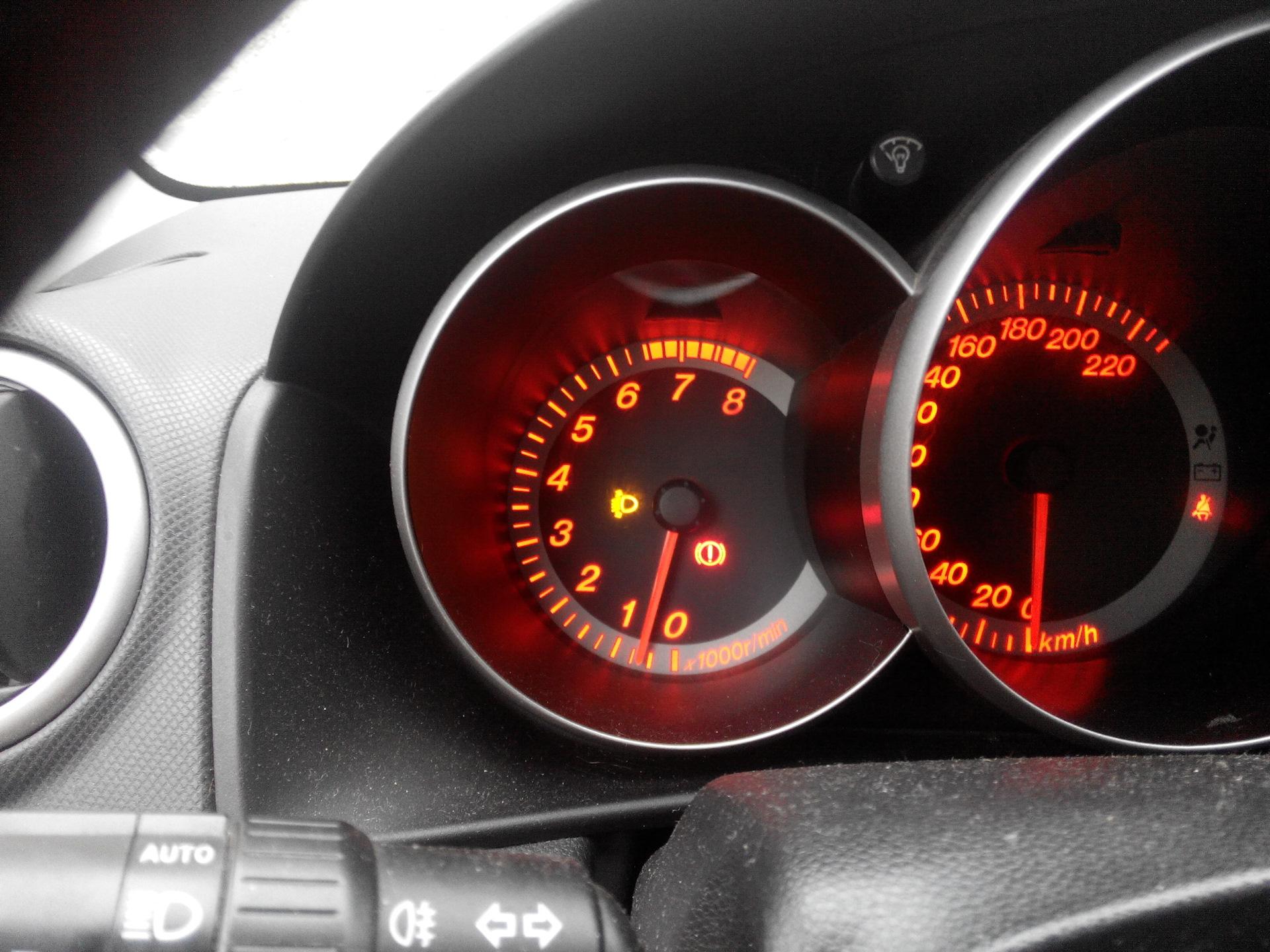 знак abs в машине mazda3