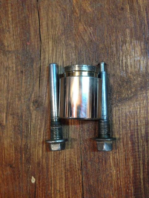 Замена тормозной жидкости аутлендер хл своими руками