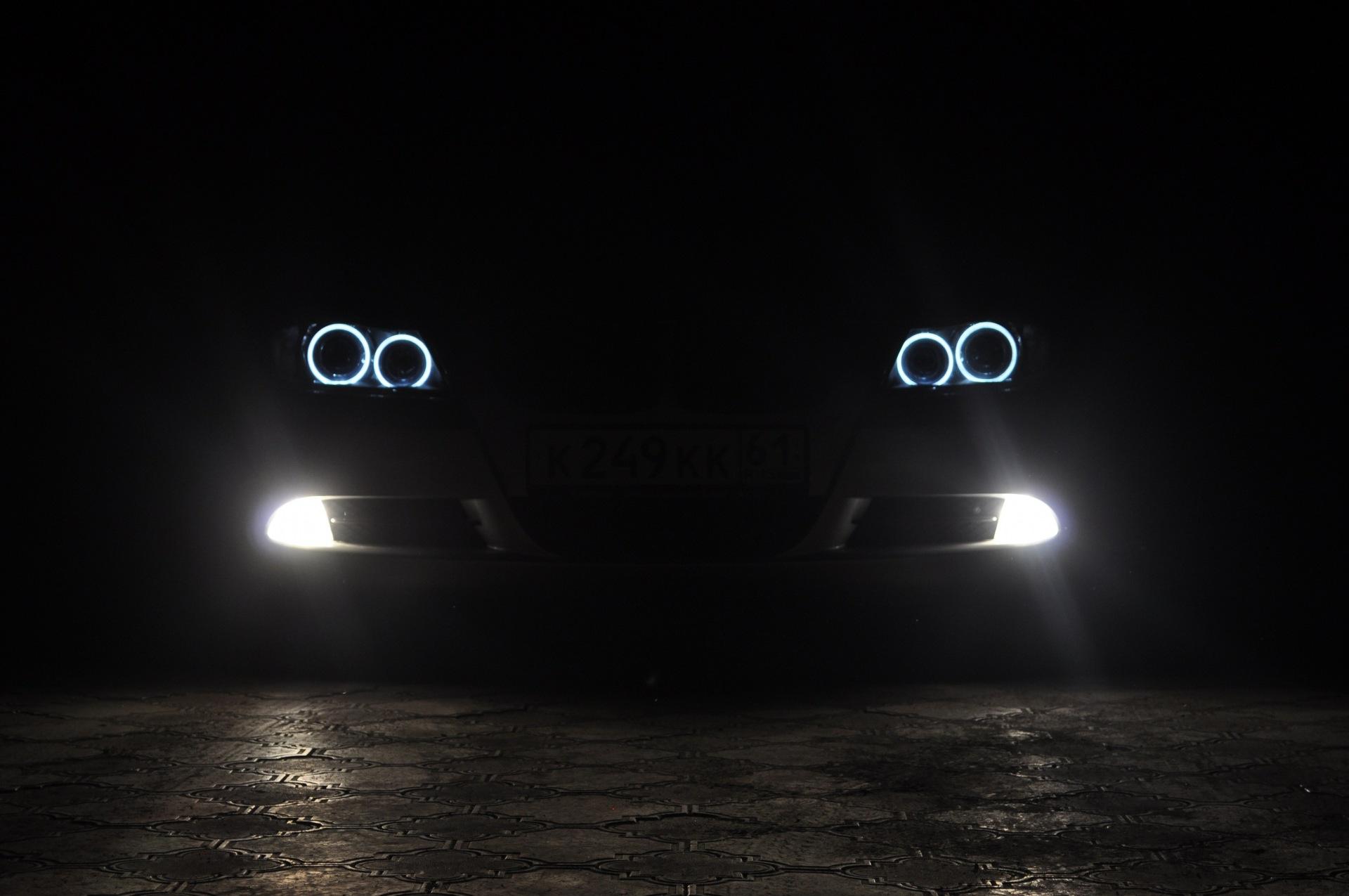 Фото бмв фары ночью