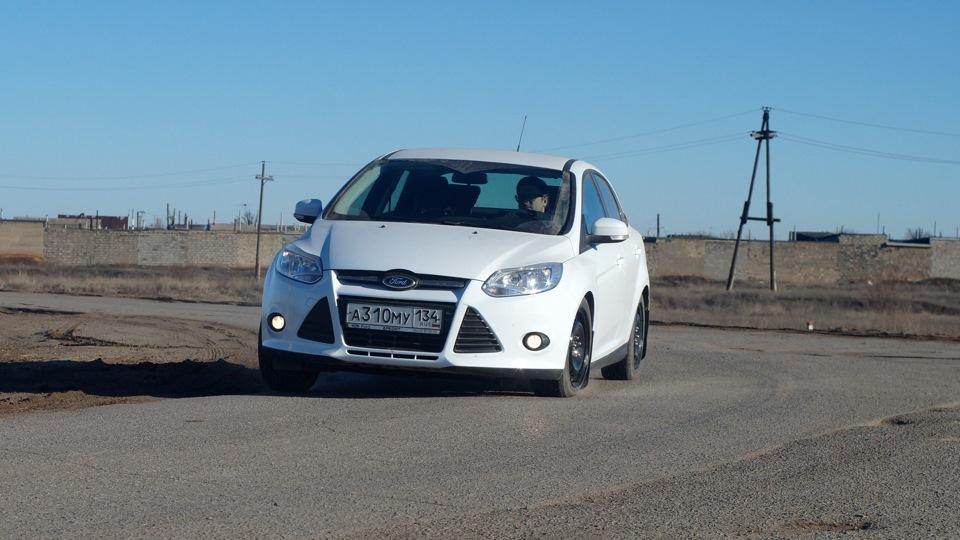 ford focus sedan drive2