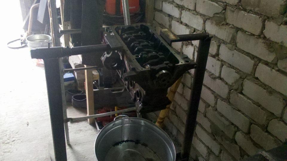 Верстак для ремонта двигателя своими руками