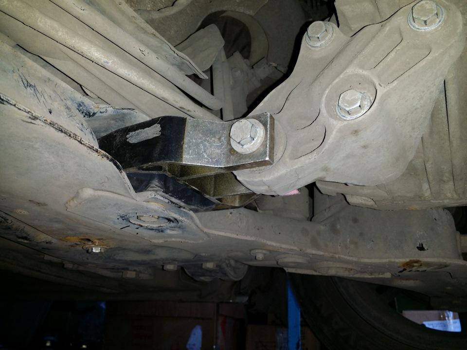 Форд мондео 3 замена задней опорной подушки видео