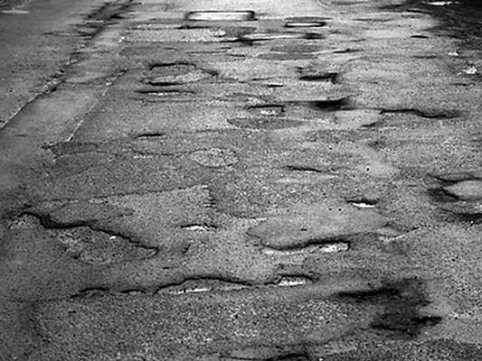 Тисяча кілометрів доріг Херсонщини є непридатними для їзди