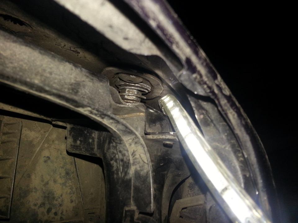 BMW e39 порвался тросик капота как открыть