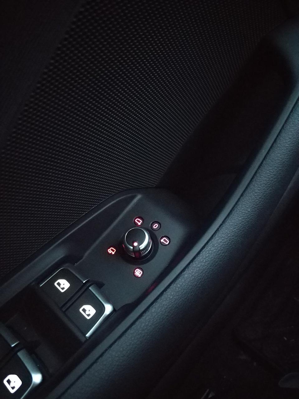 Mirrors with electric folding  — logbook Audi A3 Sedan 2017 on DRIVE2