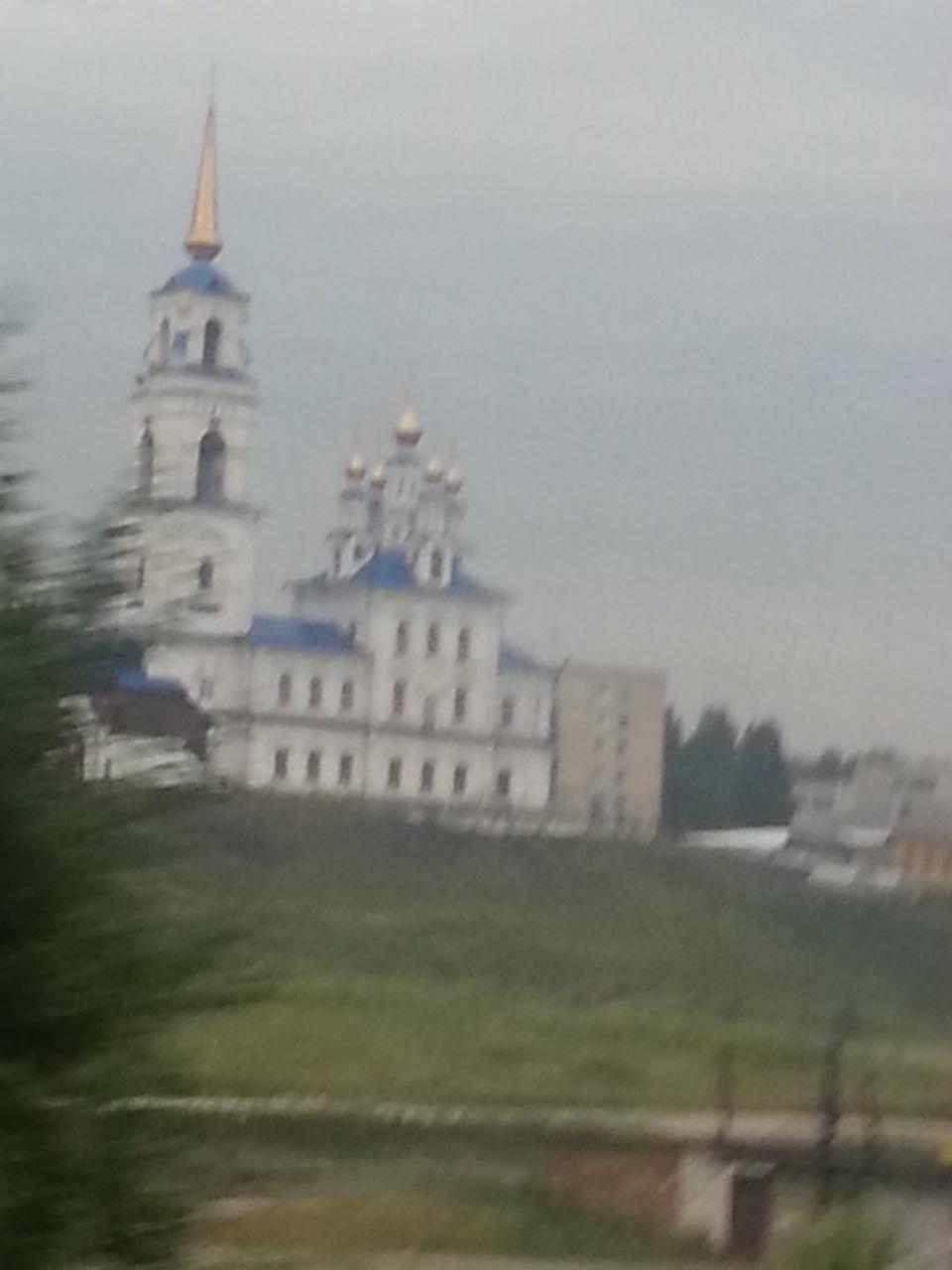 храм югорск фото