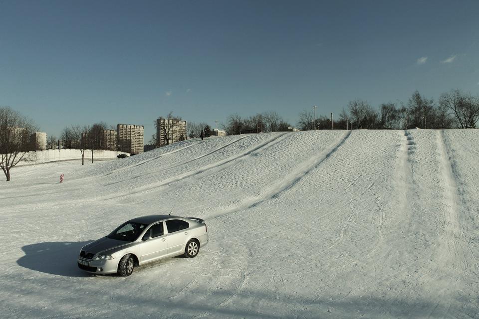 фото на снегокатах