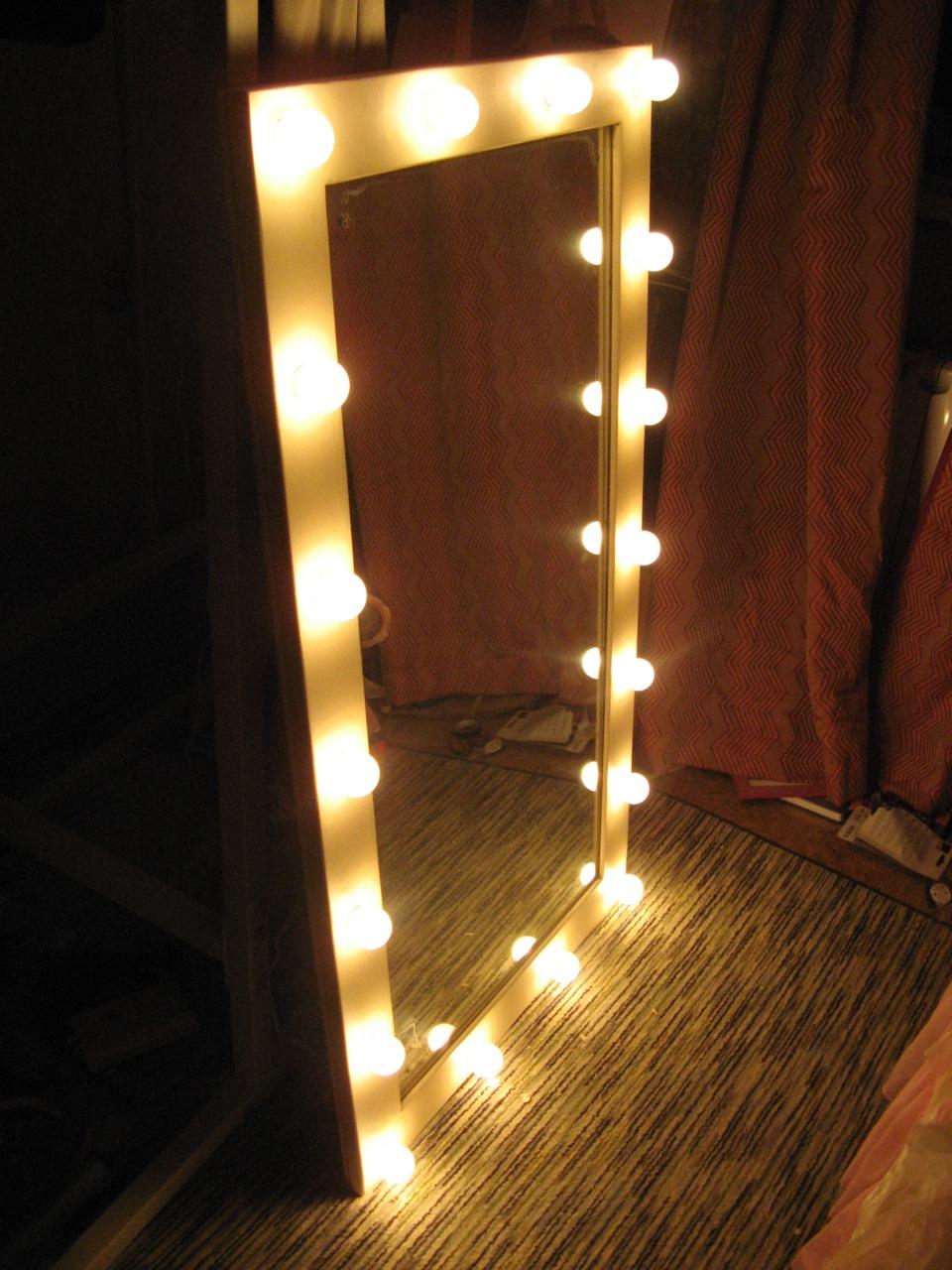 Лампа для зеркала своими руками