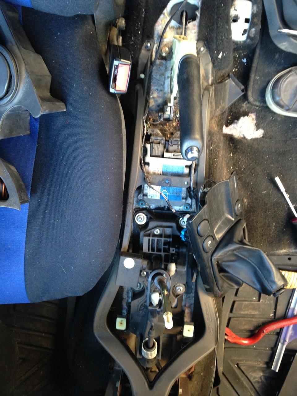 ford c-max 2008 где включается обогрев сидений