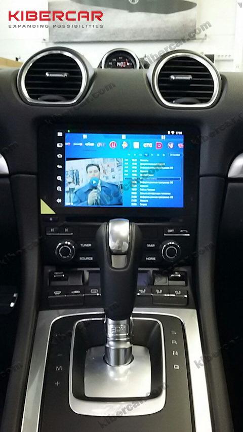 Онлайн ТВ на оригинальном мониторе Porsche Boxster S.