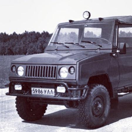 В 1975 году на УАЗе, при главном конструкторе Старцеве, началась разработка, а в 1980 году увидел свет демонстрационный макет автомобиля общего назначения повышенной проходимости УАЗ-3170