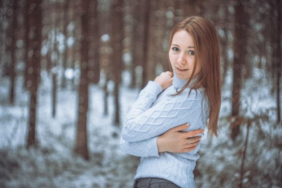 Девушки в лесу зимой фото 618-901
