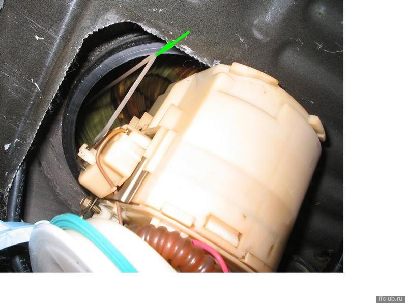 Пункт 7 предыдущего поста. Или как почистить сеточки бензонасоса не снимая бак - logbook Ford Focus Hatchback 2002 on DRIVE2