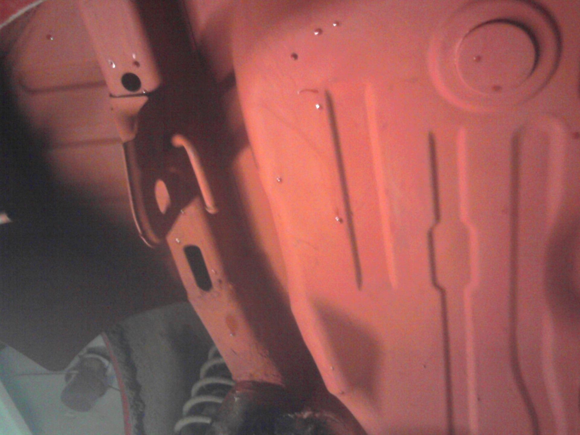Удаление ржавчины с днища автомобиля