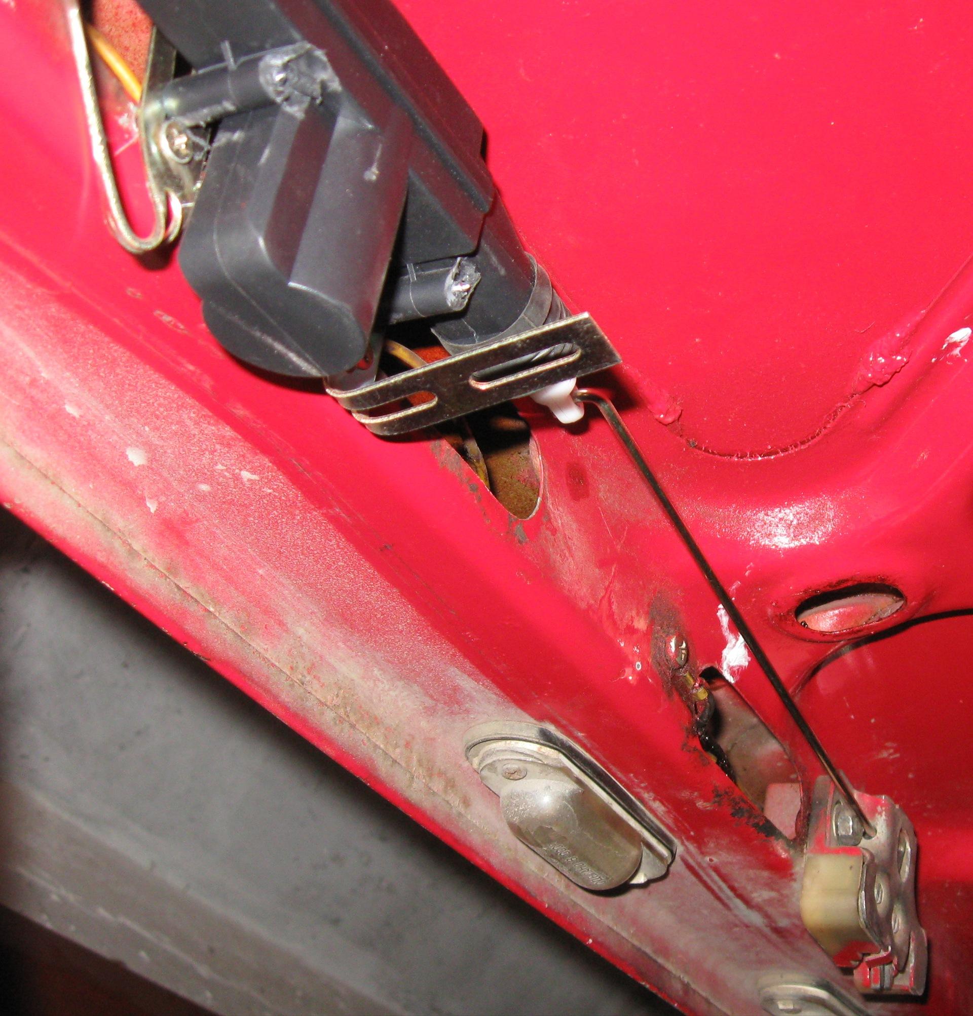 Как сделать чтобы багажник открывался с кнопки сигнализации