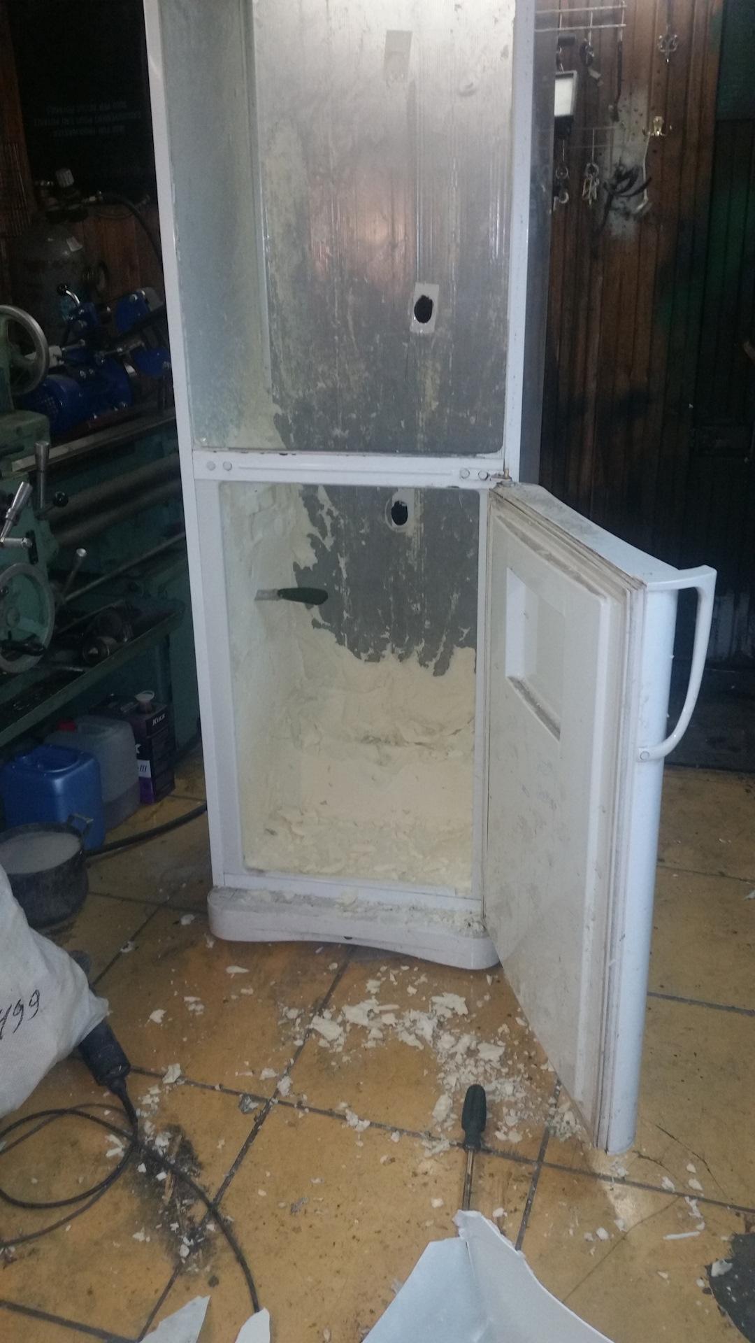 Пескоструйная камера из холодильника