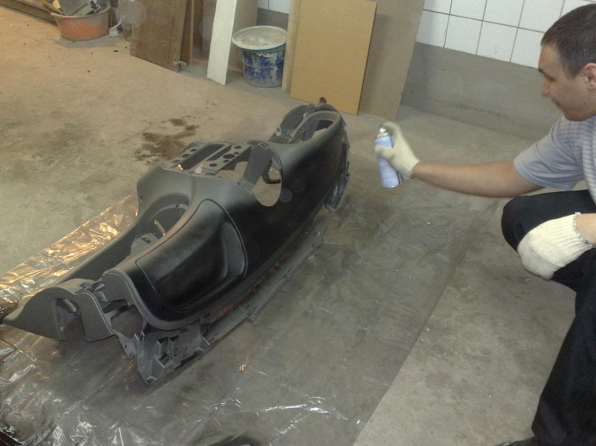 Чем покрасить панель автомобиля своими руками 64