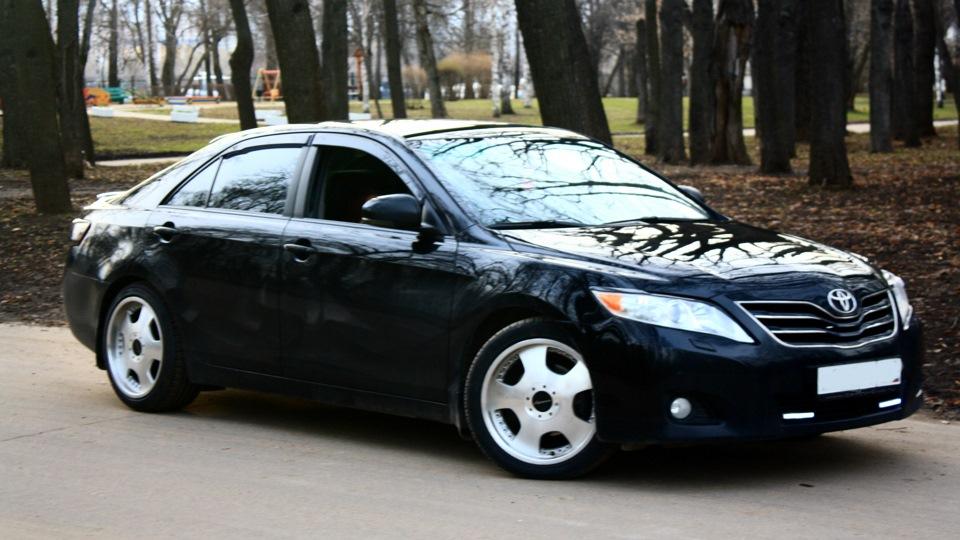 Тойота камри черная фото