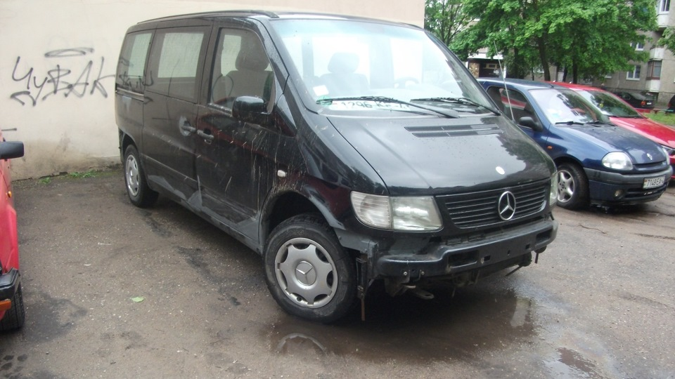 Mercedes benz v class black hearses owner review drive2 for Mercedes benz hearse