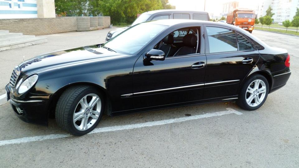 Mercedes e220 фото