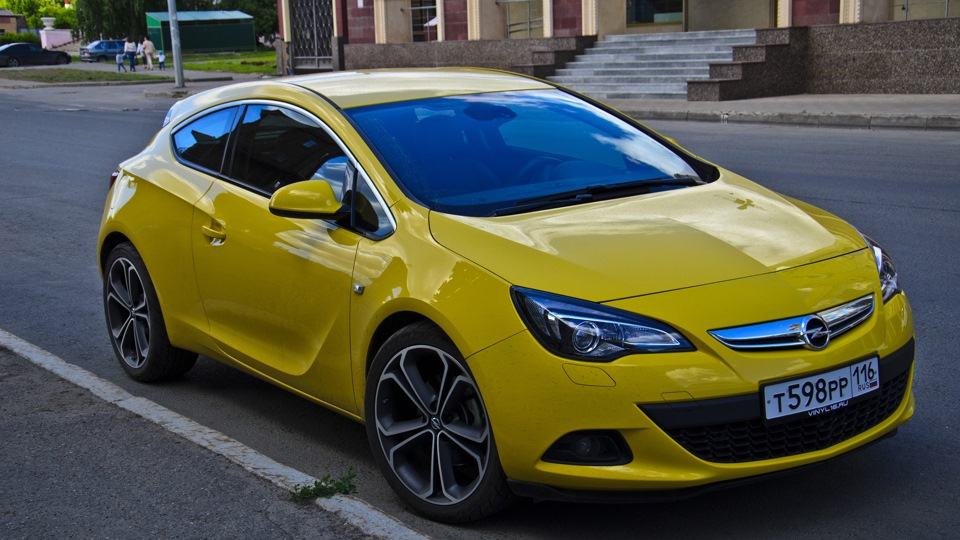 opel astra gtc yellow badass owner review drive2. Black Bedroom Furniture Sets. Home Design Ideas