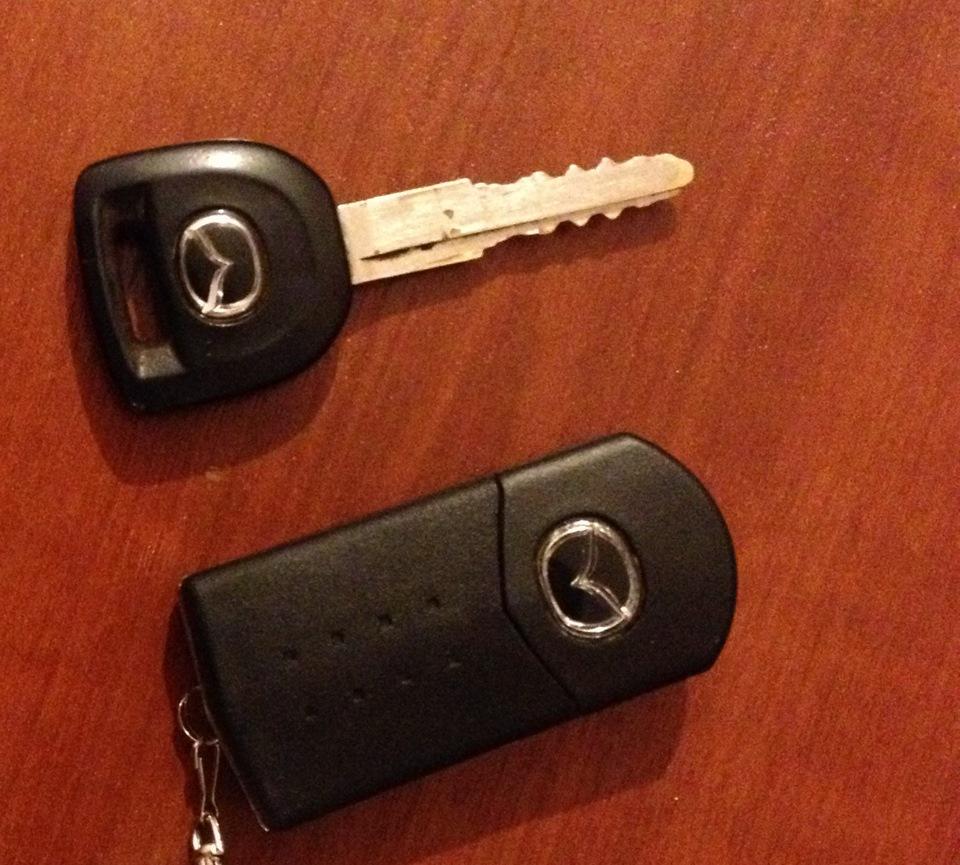 выкидной ключ mazda 3