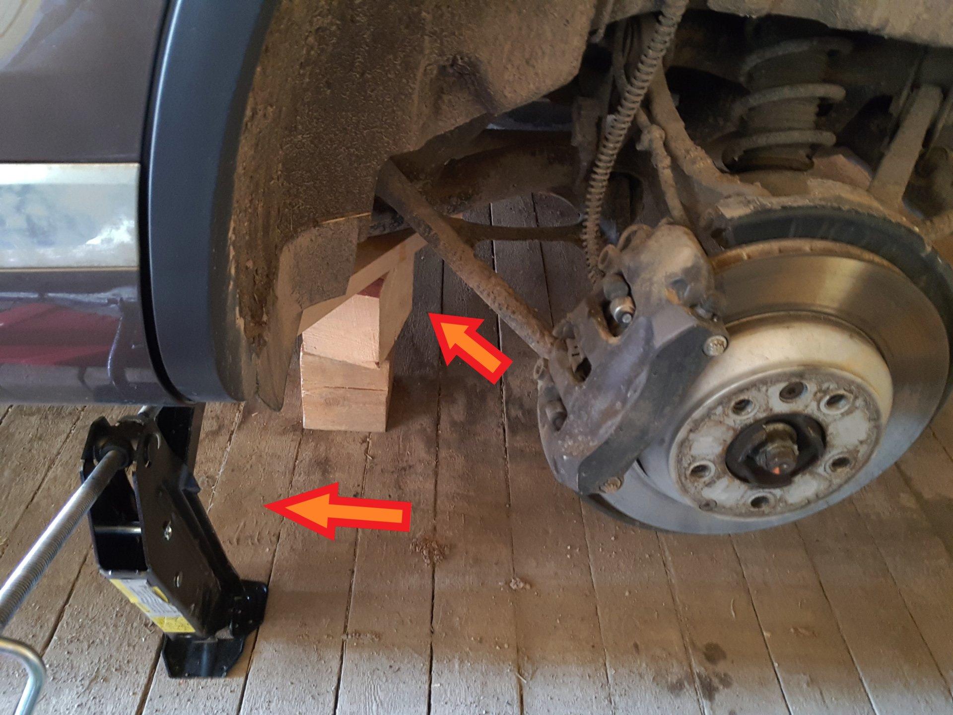 Замена барабанных колодок ручника - бортжурнал Volkswagen Touareg 2012 года на DRIVE2