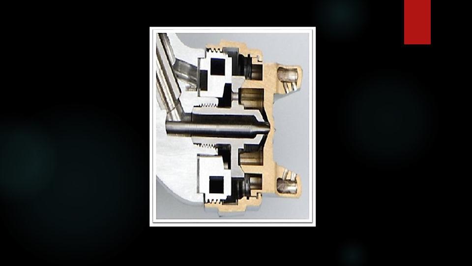 Устройство краскопульта с нижним бачком схема
