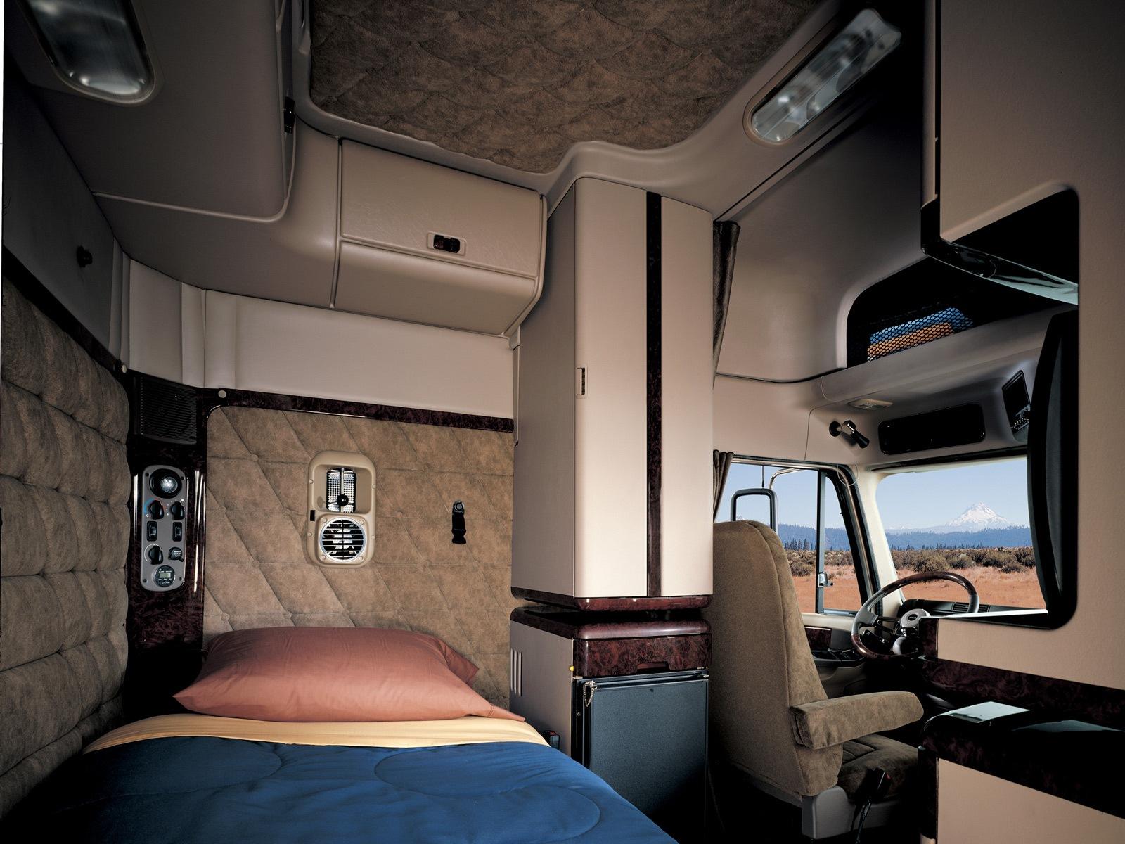 фото кабин и спальника лучших грузовиков мира более мелкие узкие