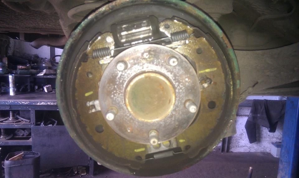 замена задних колодок на форд фокус 2 барабаны Леруа Мерлен