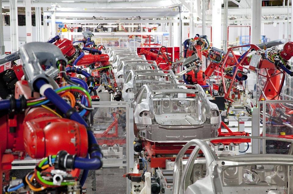 . tesla model завод