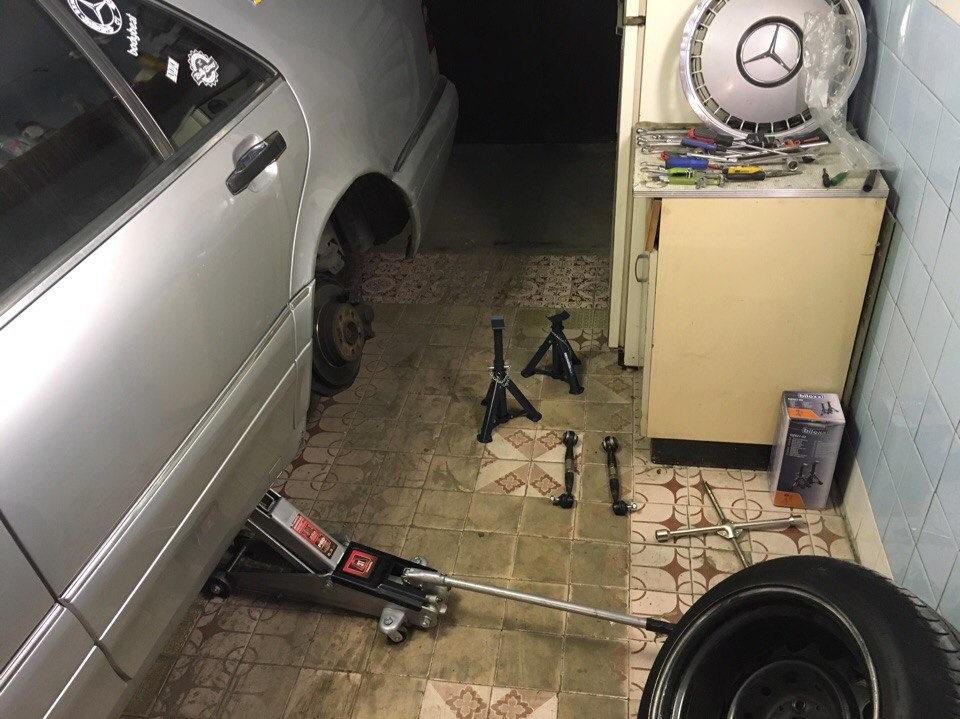 как отрегулировать схождение задних колес в мерседес w211