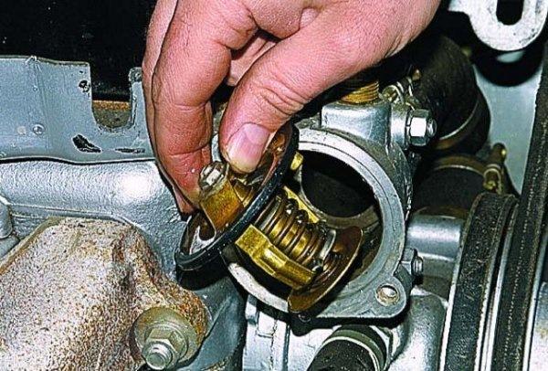 Как проверить термостат, не снимая с машины